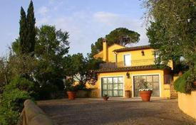 5 bedroom houses for sale in Cetona. Luxury villa with a large park in Cetona, Tuscany, Italy