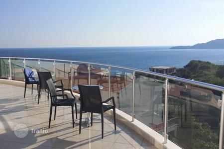 Residential for sale in Budva. Cozy apartment with stunning sea views in Przno, Montenegro