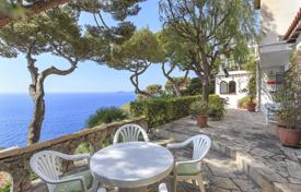 4 bedroom houses for sale in Èze. Cap Estel — Provençal villa suspended between land and sea