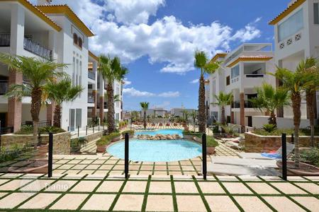 2 bedroom apartments for sale in Guardamar del Segura. Apartment very close to the beach with sea views in Guardamar