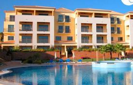 Apartments for sale in Portugal. 2 Bedroom Apartment in Vilamoura with coastal views