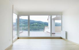 Residential for sale in Biscay. Spacious apartment with a large terrace and with sea views towards a famous Laida beach in Ibarrangelua, Basque Country, Spain
