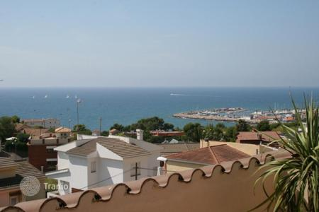 Houses with pools by the sea for sale in Sitges. Villa – Sitges, Catalonia, Spain