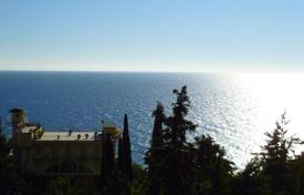 Houses with pools by the sea for sale in Italy. Villa – Alassio, Liguria, Italy