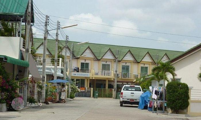 cheap townhouses in chonburi terraced houses for sale in