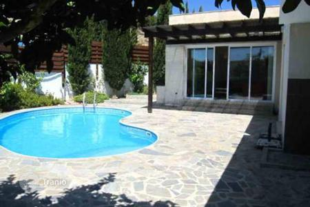 2 bedroom houses for sale in Pissouri. Two Bedroom Detached Bungalow