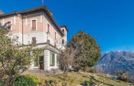 Luxury property for sale in Moltrasio. Historical villa with a park, a pool and mountain views on Lake Como in Moltrasio, Lombardy, Italy