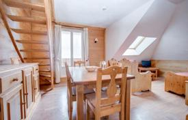 2 bedroom apartments for sale in Haute-Savoie. Duplex apartment with a balcony, in a residence with a parking, close to the center of the resort, Morzine, Alpes, France