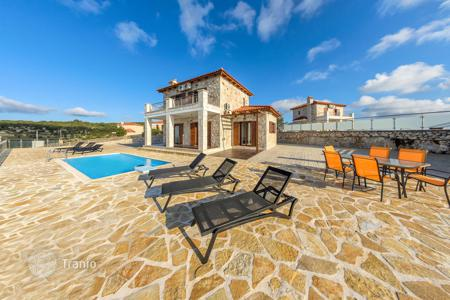 Coastal residential for rent in Greece. Equipped villa with terrace, garden with swimming pool and BBQ area, in 300 m from the sea, isle Zakynthos, Greece