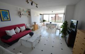 Apartments with pools by the sea for sale in Benidorm. Spacious apartment in a residential complex with a swimming pool, 300 meters from the beach, Coblanсa, Benidorm, Spain