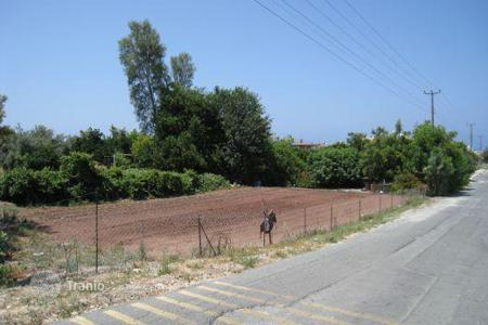 Development land for sale in Paphos. Large plot of land, Close to village centre and beach — Chlorakas