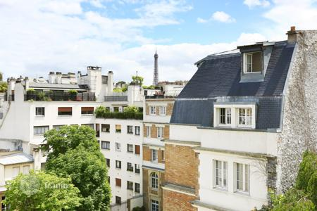 2 bedroom apartments for sale in 16th arrondissement of Paris. Paris 16th District – A bright apartment enjoying a view of the Eiffel Tower. Muette OECD