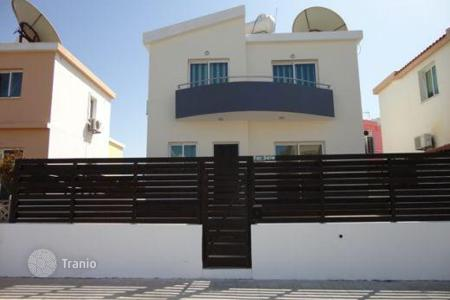 Coastal townhouses for sale in Paphos. 2 Bedroom Detached Villa Universal — Close to Schools