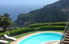 Villas and houses to rent in Amalfi. Villa Centerbe