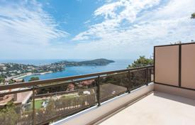4 bedroom apartments for sale in Provence - Alpes - Cote d'Azur. Villefranche-sur-Mer — Sea View Penthouse