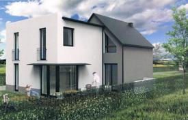 Residential for sale in Lower Austria. New three-storey villa with garden and spa area on the outskirts of Vienna, Strasshof an der Nordbahn