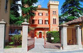 Property for sale in Lombardy. Beautiful apartment a stone's throw from Lake Como
