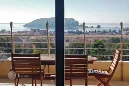 3 bedroom apartments for sale in Montenegro. Apartment with three bedrooms and terraces with a stunning sea view in Budva