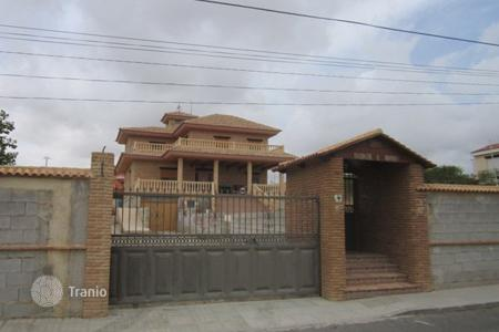 Foreclosed 4 bedroom houses for sale in Valencia. Villa - Mutxamel, Valencia, Spain