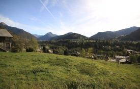 Development land for sale in Auvergne-Rhône-Alpes. Parcel of land with panoramic views in a popular hamlet of Montriond, France