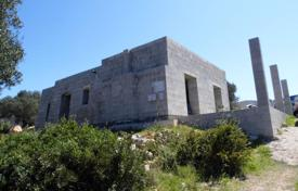 Property for sale in Apulia. Traditional style villa on a spacious plot with sea view in Monti Caborri, Salve, Italy