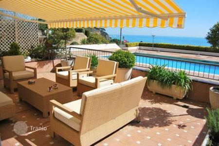 Apartments with pools for sale in Caldes d'Estrac. Apartment – Caldes d'Estrac, Catalonia, Spain