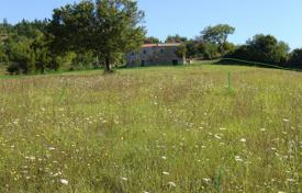 Property for sale in Motovun. Building land AGRICULTURAL — BUILDING PLOT FOR SALE!