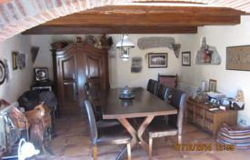 Residential for sale in Sils. Homestead with the big piece of land, Costa Brava