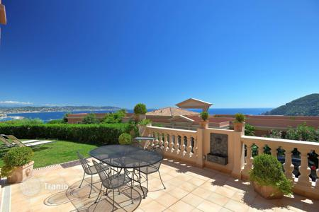 Apartments with pools for sale in Côte d'Azur (French Riviera). Théoule-sur-Mer — Duplex apartement
