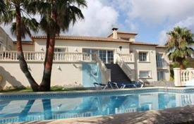 5 bedroom houses for sale in Costa Blanca. 5 bedroom villa featuring a private pool in Denia