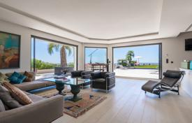 Luxury 3 bedroom apartments for sale in Cannes. Exclusive penthouse with a landscaped terrace and sea views, Cannes, France