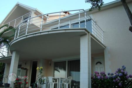 4 bedroom houses by the sea for sale in Tivat. Detached house – Krasici, Tivat, Montenegro
