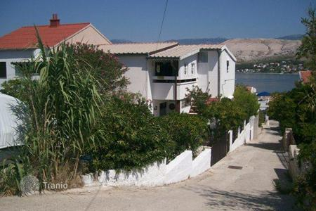 Property for sale in Zadar County. House APARTMENT HOUSE ON ISLAND PAG!