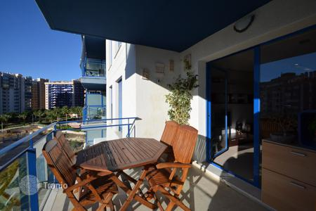 Coastal residential for sale in Benidorm. Modern apartment with a terrace 300 meters from the sea, Benidorm, Alicante, Spain