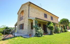 Residential for sale in Marche. Three-storey house with a terrace and a garden, Macerata, Italy