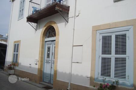 Townhouses for sale in Nicosia (city). 3 Bedroom Listed Semi Detached House in Kaimakli