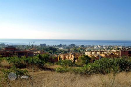 Development land for sale in Benahavis. Plot for sale in Los Flamingos Golf, Benahavis