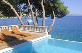 Luxury residential for sale in Split-Dalmatia County. Villa on island Ciovo/ Trogir