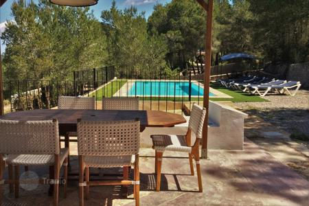 4 bedroom villas and houses to rent in Ibiza. Detached house – Ibiza, Balearic Islands, Spain