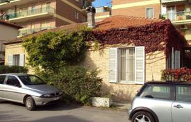3 bedroom houses for sale in Pescara. Detached house with garden for sale