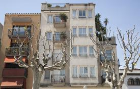 5 bedroom apartments for sale in Catalonia. Apartment – Arenys de Mar, Catalonia, Spain
