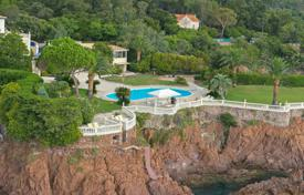 Luxury property for sale in Saint-Raphaël. Close to Cannes — Exceptional waterfront property