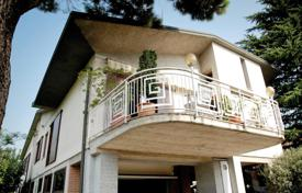 6 bedroom houses for sale in Lombardy. Villa – Lombardy, Italy