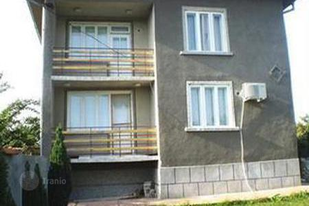 Cheap houses with pools for sale in Bulgaria. Townhome - Ruse (city), Ruza, Bulgaria