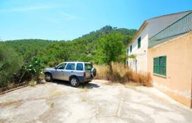 Village house with a large garden, a terrace and a garage, Sa Coma, Spain for 840,000 €