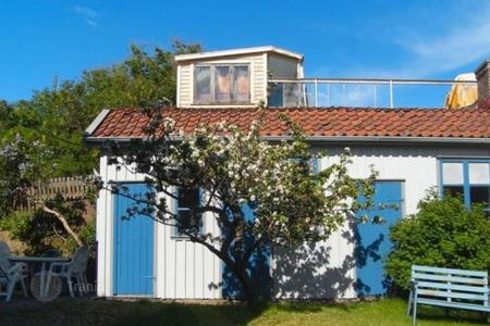 Villas and houses to rent in Sweden. Detached house – Vastra Gotaland County, Sweden