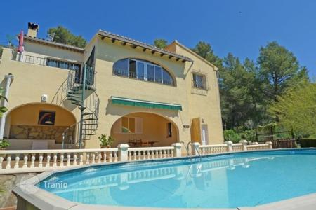 Houses for sale in Valencia. Two-storey villa with pool and garden in Alcalali, Alicante, Costa Blanca