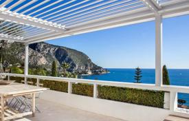 Houses with pools for sale in Èze. Villa with magnificent views of the sea and Cap Estel Cap Roux