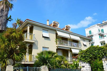 2 bedroom apartments for sale in Bordighera. Fully renovated and furnished apartment in Bordighera, Liguria