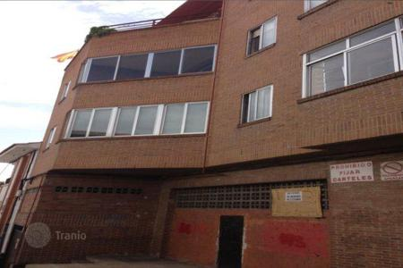 Bank repossessions property in Colmenar Viejo. Apartment – Colmenar Viejo, Madrid, Spain
